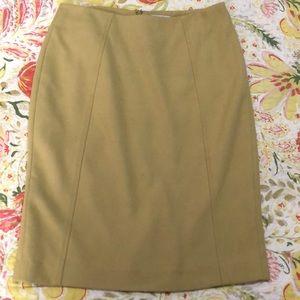 VGUC Halogen chartreuse color skirt